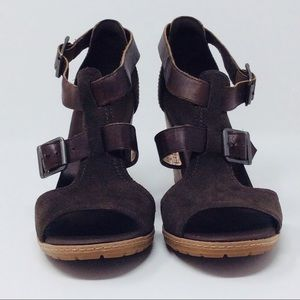 Timberland Chunky Heels Open Toe Sandals Size 8.5